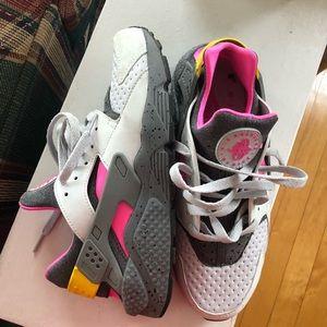 Nike Shoes - Men's Huarache